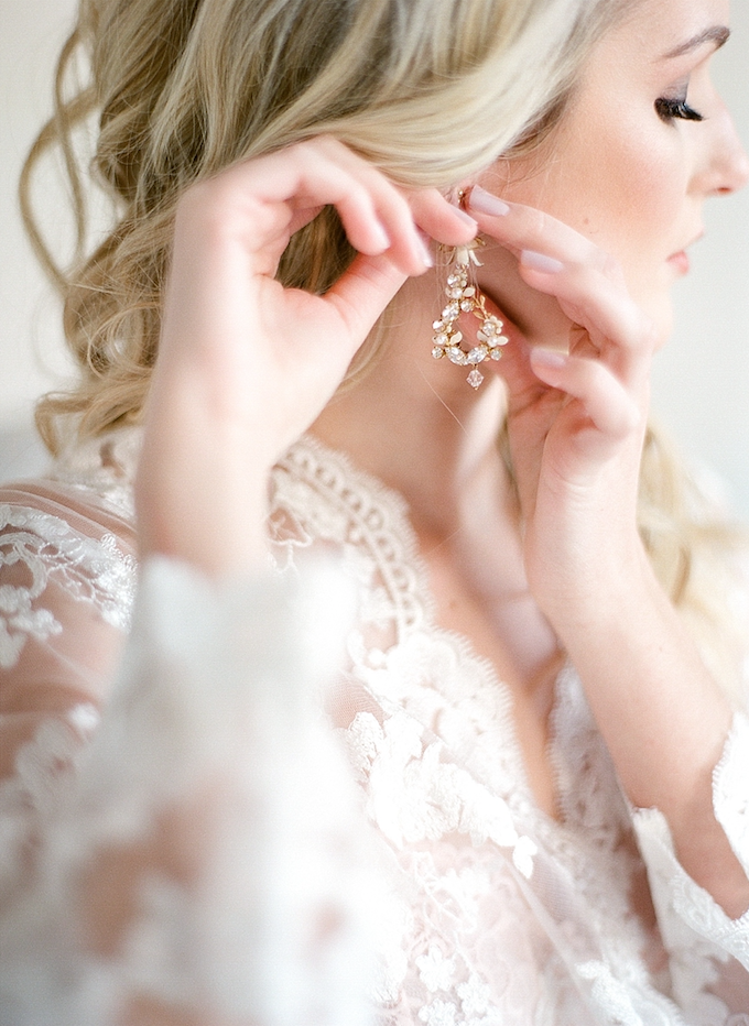 Earing_High_End_Houston_Wedding_Vendor_Flowers.png