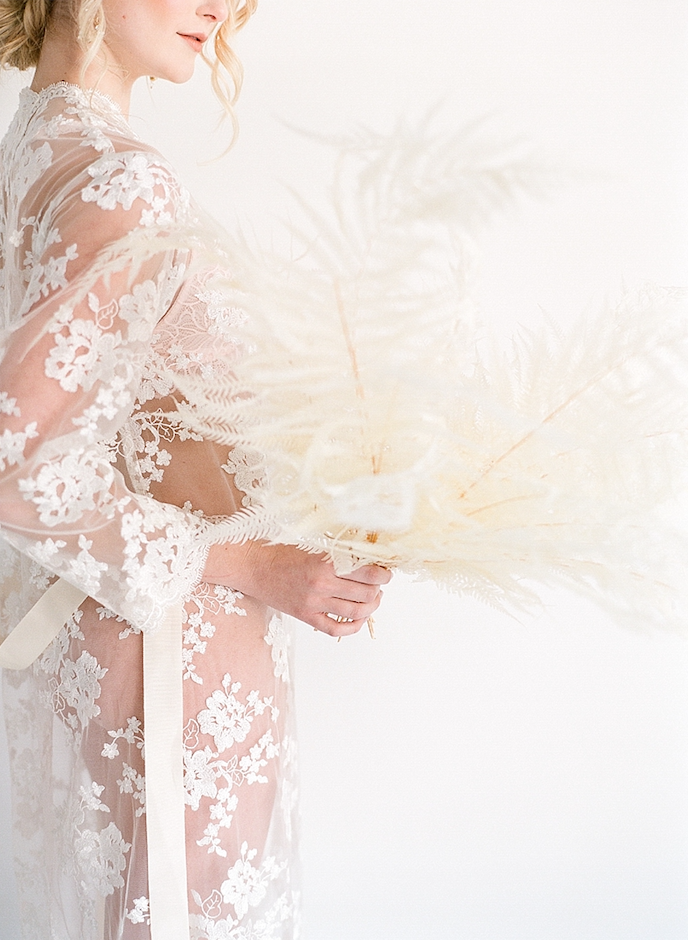 Lace_White_Dress_Houston_Texas_Flowers.png