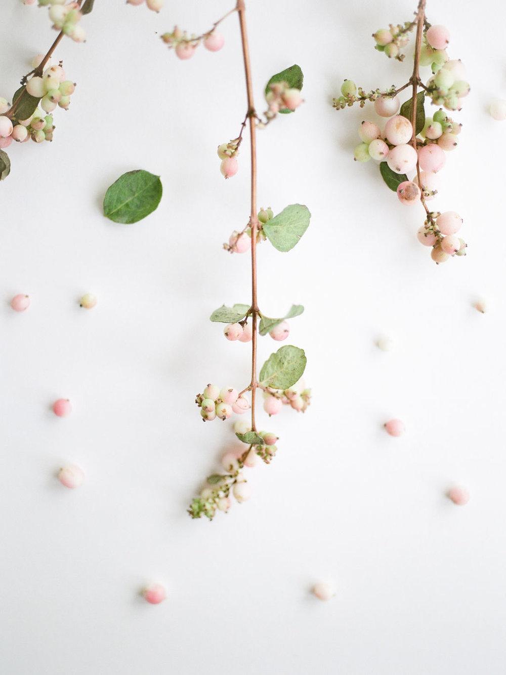 Maxit-Flower-Design-Christine-Gosch-Wedding-Event-Flowers-Snowberries.jpg