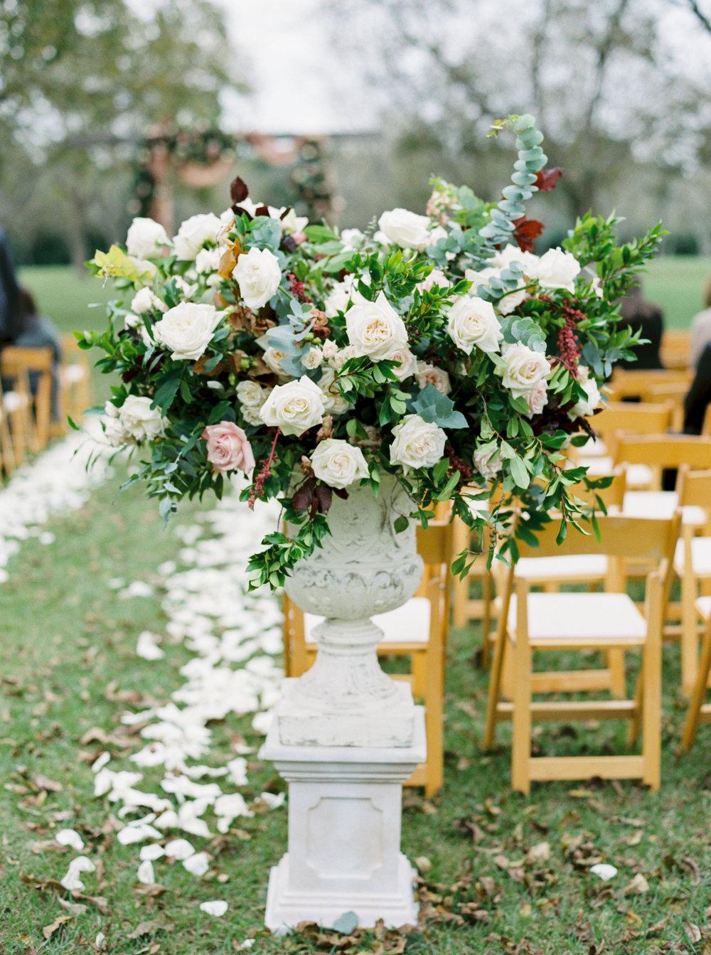 Aisle_Wedding_Flowers_Houston_Wedding_Flowers.jpg