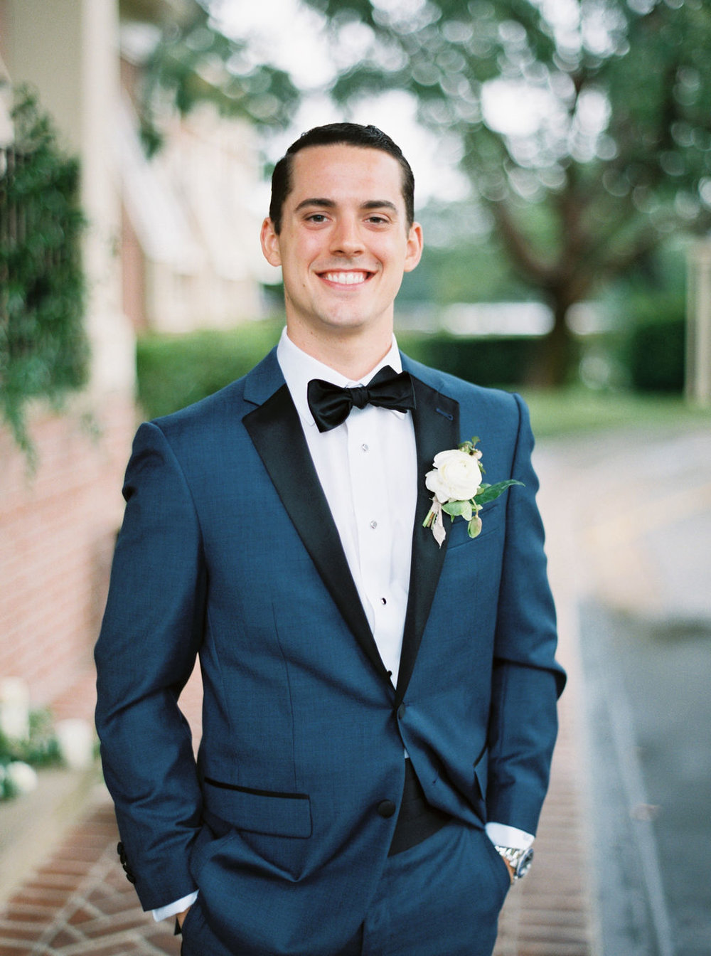 groom-boutonniere-houston-country-club.jpg