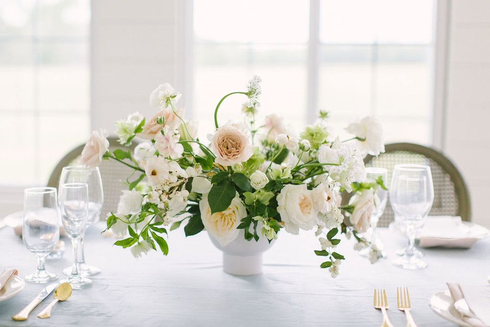 Table scape with white and blush garden style arrangement by Maxit Flower Design. Photographed by Kate Elizabeth. Styled by Shannon Ducker