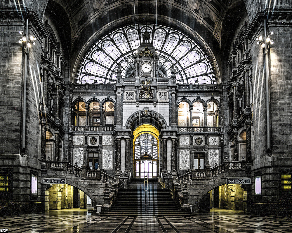 Antwerp Train Station.jpg
