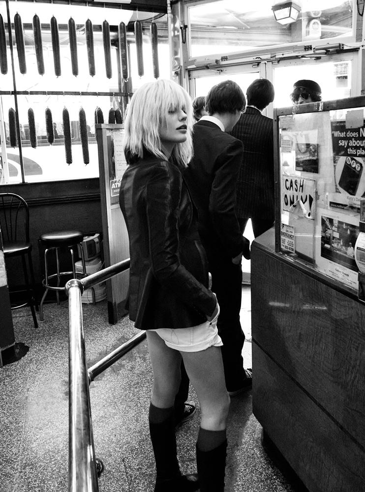 Blondie_02_025b_F.jpg
