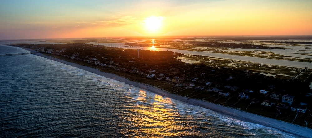 Charleston  is more than just one of the country's most beloved cities, it's home to 5  beach  towns: Folly  Beach , Isle of Palms, Kiawah, Seabrook & Sullivan's.