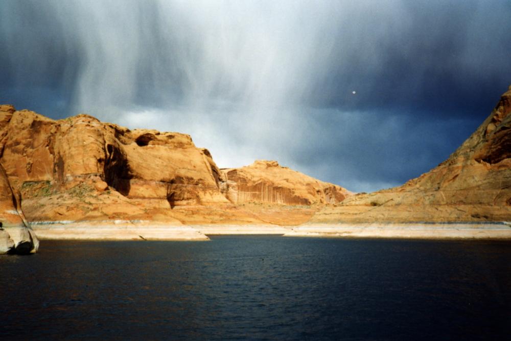 Lake Powell.jpg