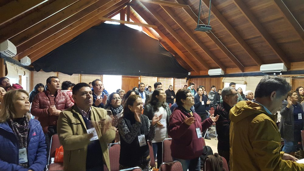 2017-10, Santiago, Chile, CCP Training Seminar Participants Worshipping the Lord