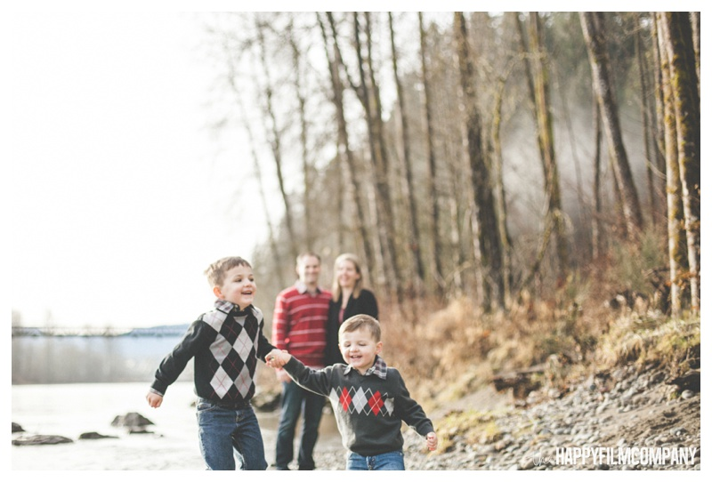 the happy film company_family forest walk_0009.jpg