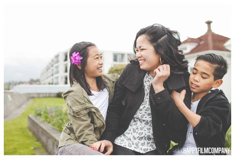 happy family photos  - the happy film company - seattle family photographer