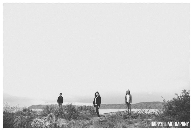 black and white beach  - the happy film company - seattle family photographer
