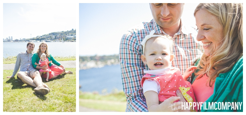 family sitting on grass  - Seattle Family photo shoot - the happy film company