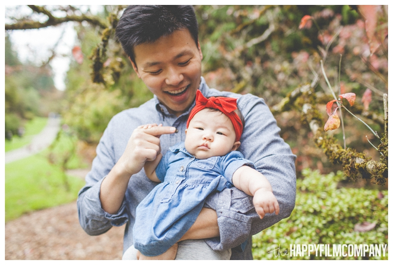 father daughter portrait   - Seattle Family Holiday Portraits - the Happy Film Company