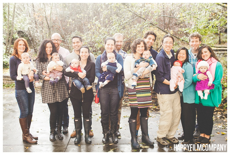 big group photo of family photos  - the Happy Film Company - Seattle PEPS Group Family Portraits