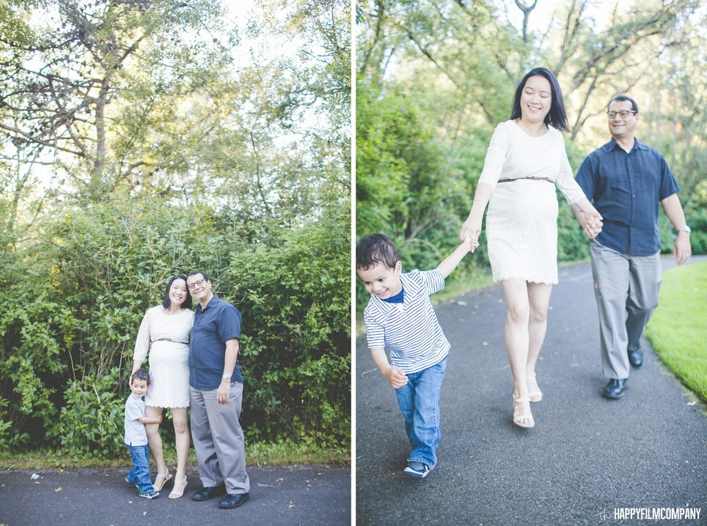 Maternity Photography session at Kelsey Creek Farm - the Happy Film Company - Seattle Family Photos
