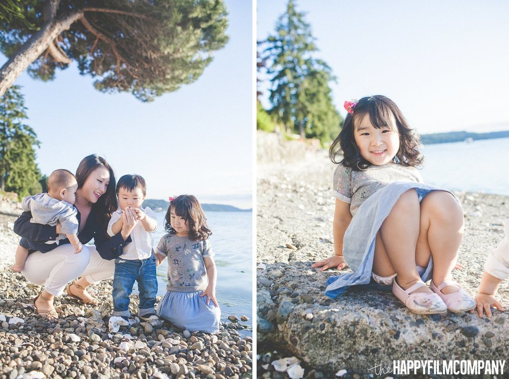 Mom and kids by the beach - Hood Canal Family Photography Session - the Happy Film Company - Seattle Family Photos