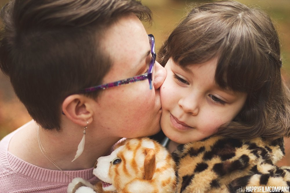 Sweet kisses from mom - the Happy Film Company - Seattle Family Photos