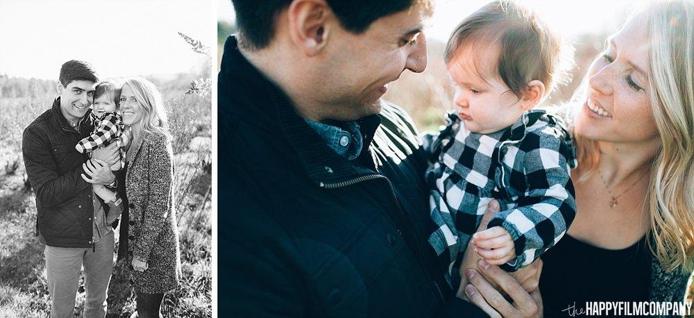 Family photos at Mercer Slough Blueberry farmthe Happy Film Company - Seattle Family Photos