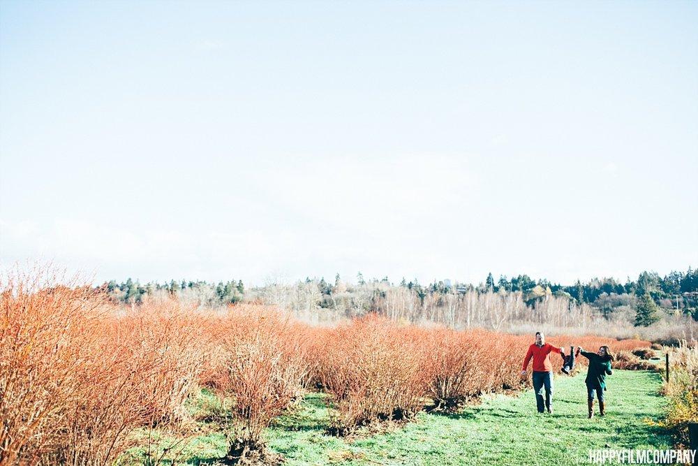 Mercer Slough Blueberry Farm - the Happy Film Company - Seattle family Photos