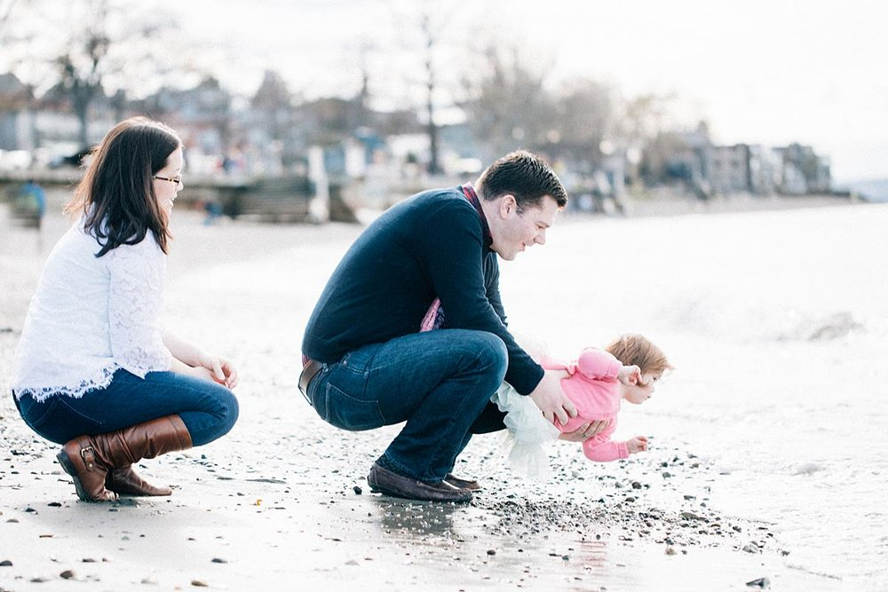 Seattle Family Portraits - Alki Beach - the Happy Film Company