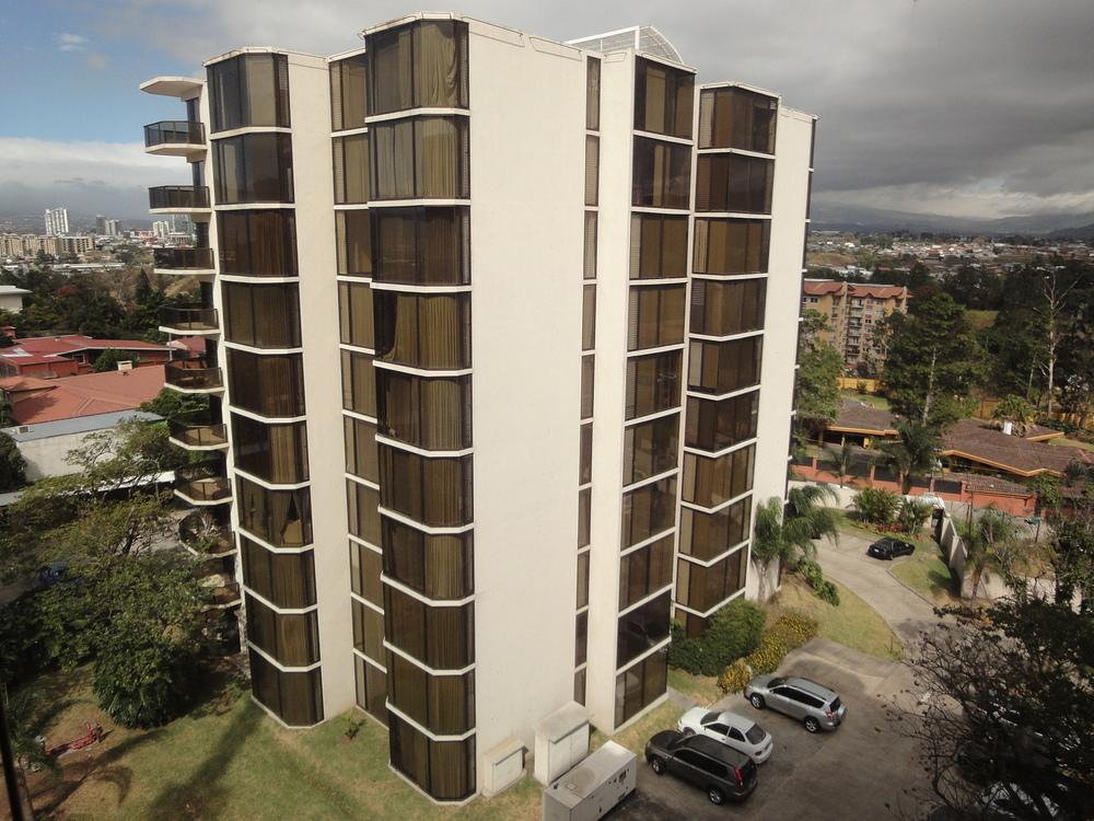 Renta de condominio en Escazu $1,800/$2,000 (sin/con muebles) — Kim ...