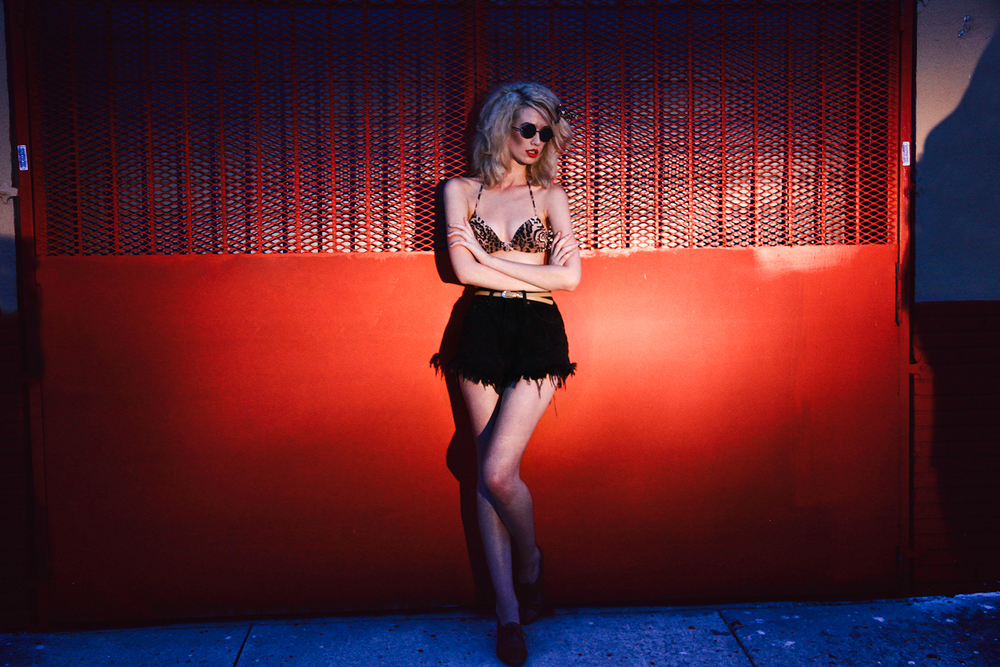 Evie Lynn_Kiss Kiss Bang Bang_07.jpg