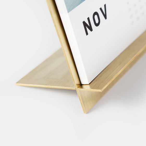 brass-easel-calendar-02.jpg