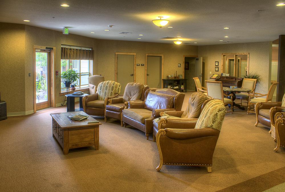 19- lounge-1edited.jpg