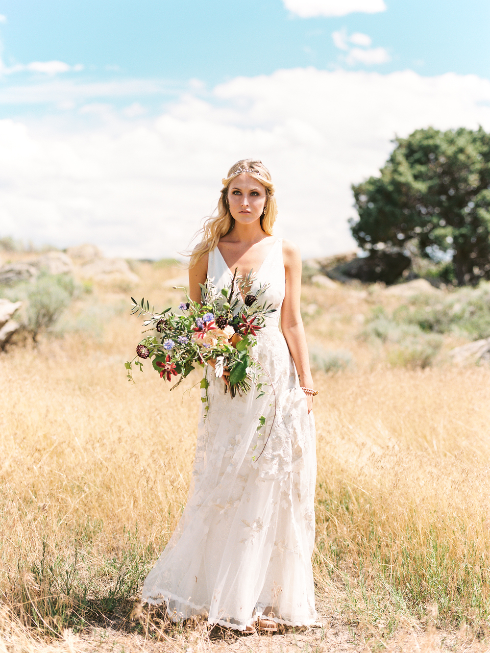 Brush Creek Ranch boho wedding look, Claire Pettibone dress, Lisa O'Dwyer Photography-15.jpg