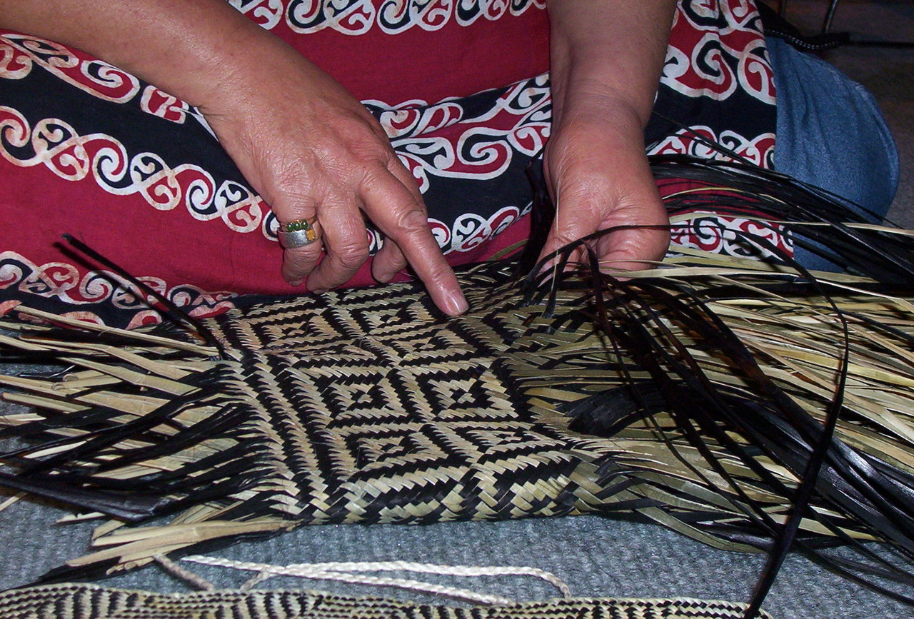 Sonia Snowden (Maori) showing me her technique. Wherever pattern is, there I am. Photo: Alkhemy Print+Pattern