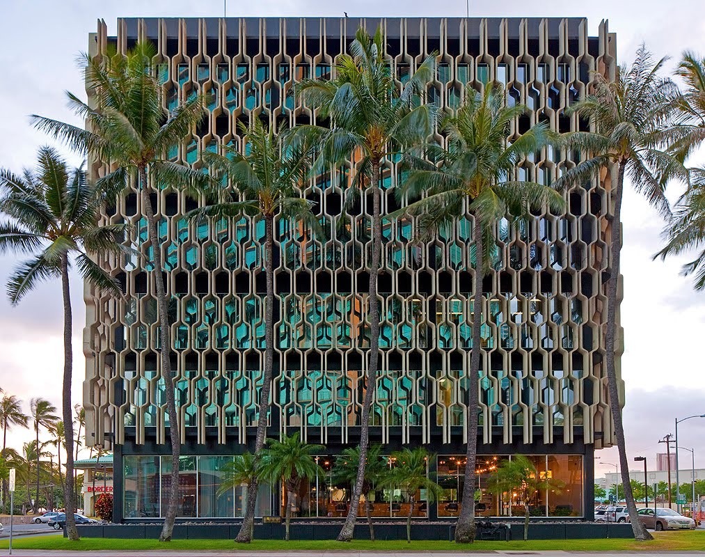 From: JeffGreenphoto.com Where modern meets ancient.The iconic IBM building, (architect Vladimir Ossipoff), Honolulu, HI. The grille design is based on a traditional Hawaiian motif used in decorating a hula pa'u or kihei.