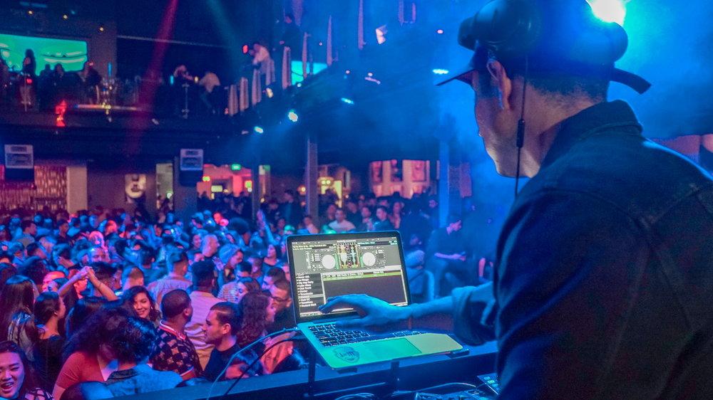 DJ Mustard x DJ Ishh (LA)