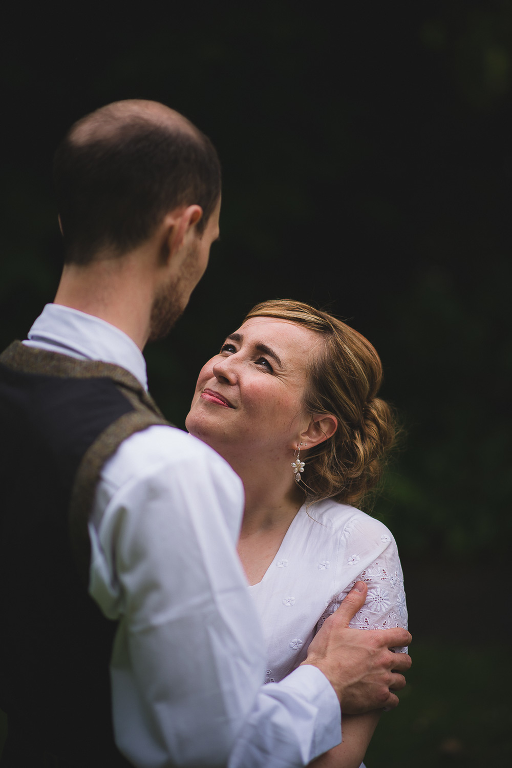natural-wedding-photographer-bristol-23.jpg