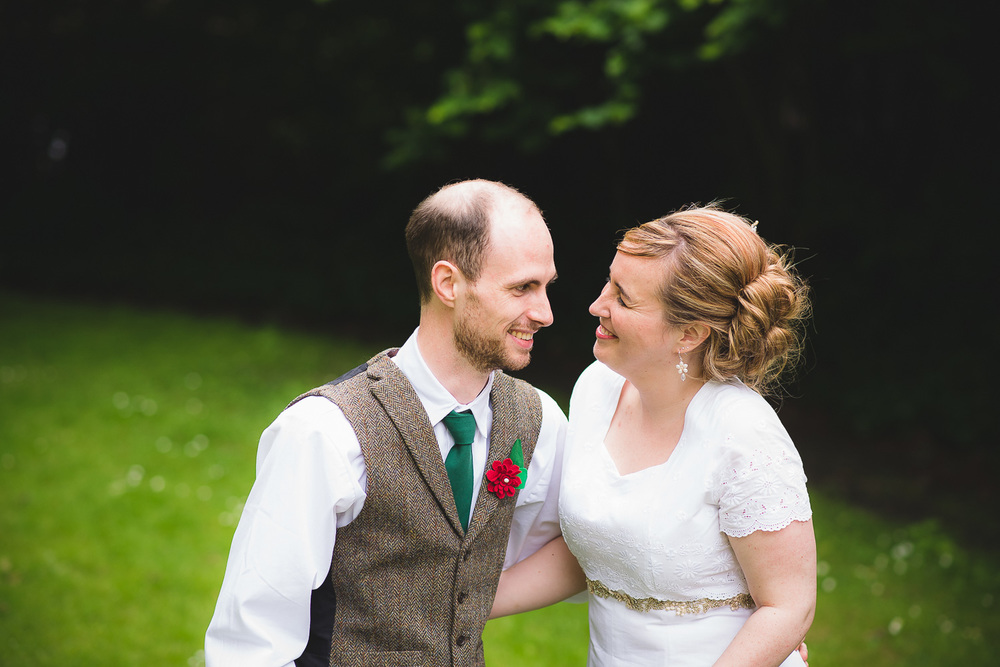 natural-wedding-photographer-bristol-25.jpg