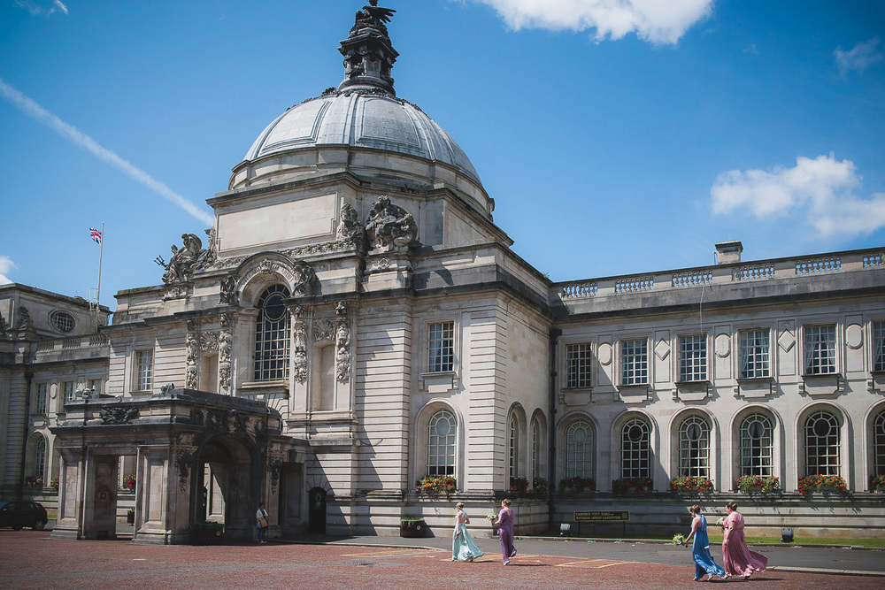 Wedding-photographer-cardiff-city-hall