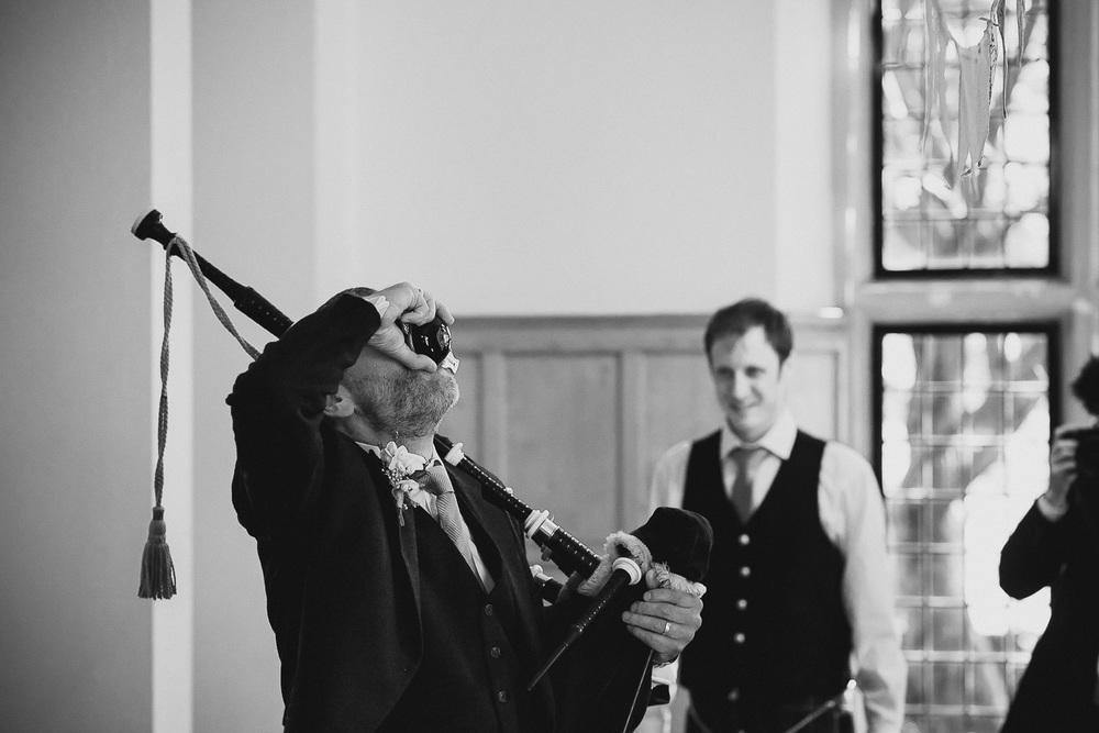 wedding-photographer-cardiff-university-33.jpg