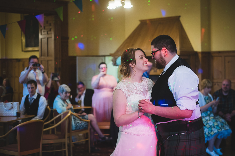 wedding-photographer-cardiff-university-44.jpg