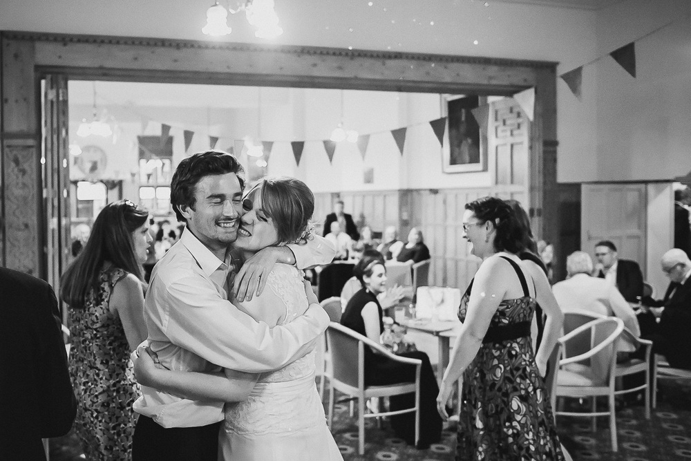 wedding-photographer-cardiff-university-46.jpg