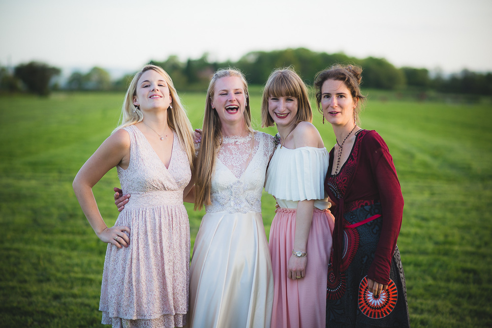 85mm lens for wedding group photos