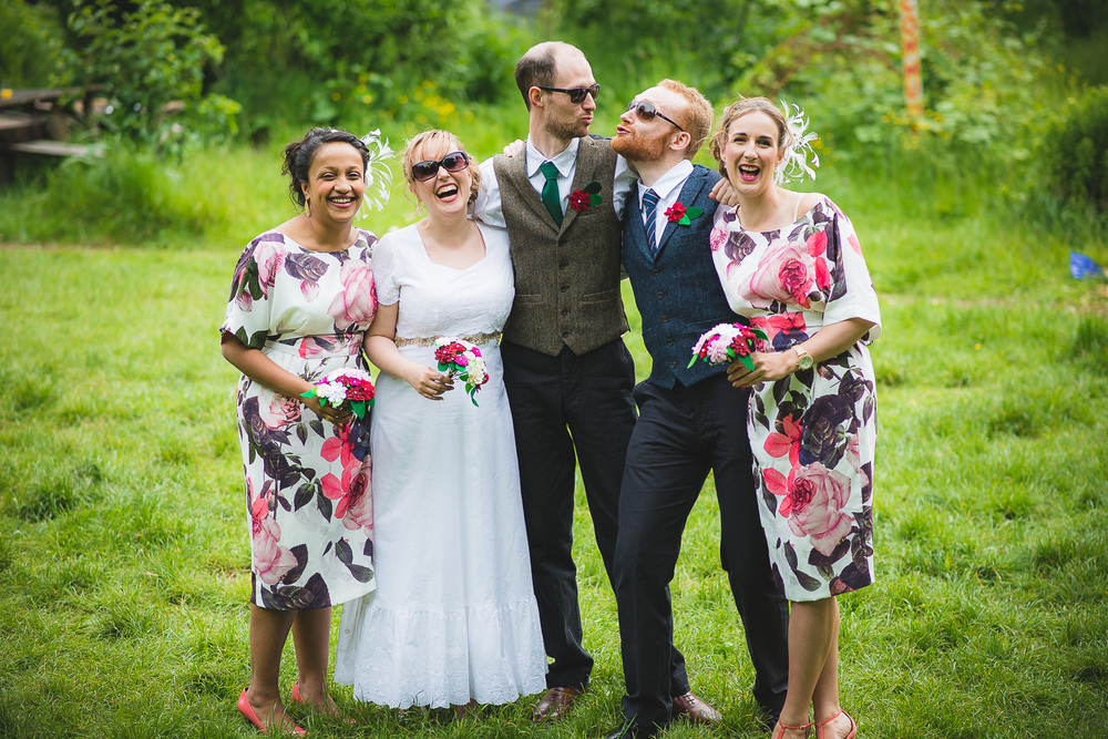fun natural group wedding pictures