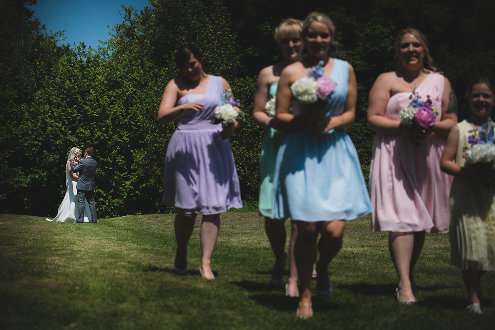 creative documentary picture of bridesmaids and bride