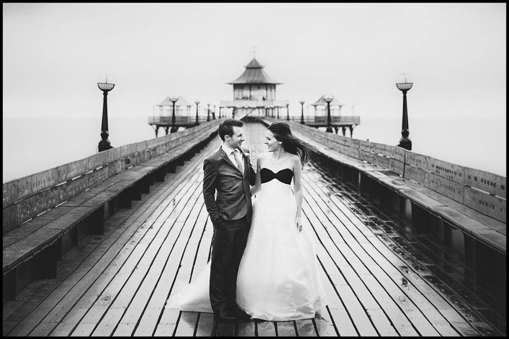 Clevedon Pier Wedding Clevedon Pier Wedding Photography by Clevedon wedding photographer Scott Wilson | Life in Focus Photography