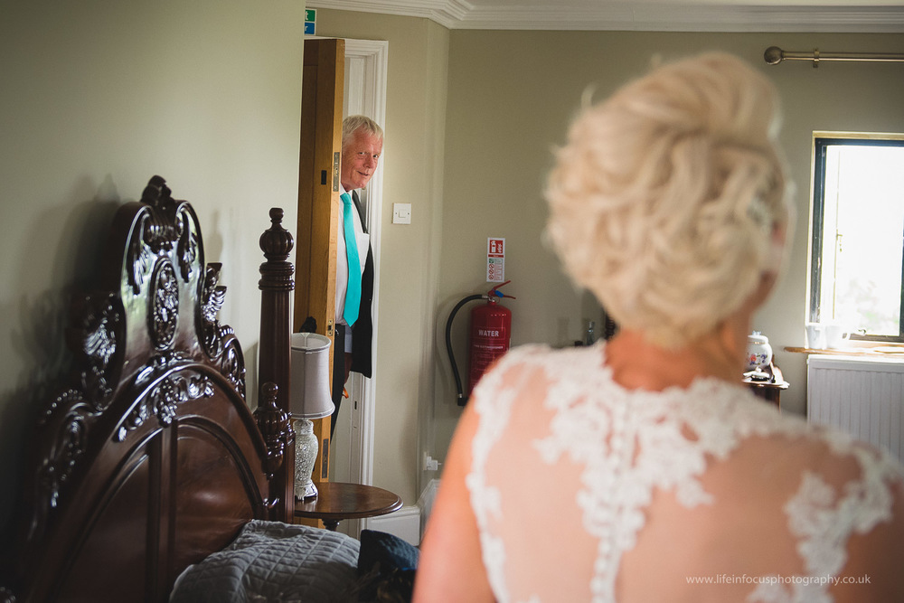 somerset-wedding-photographer-castle-venue-clevedon-6.jpg