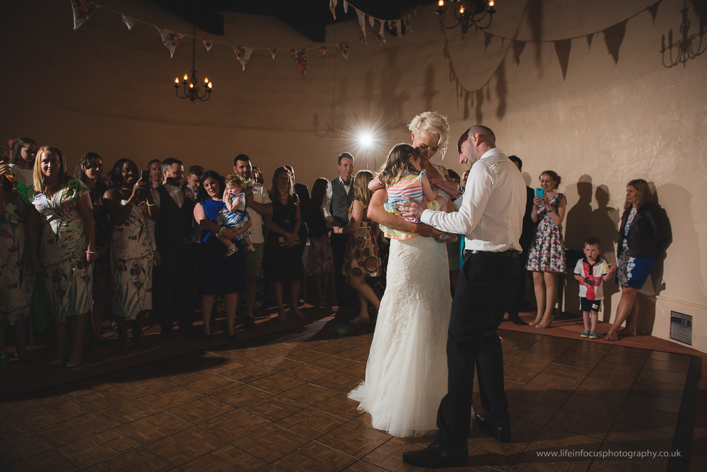 somerset-wedding-photographer-castle-venue-clevedon-38.jpg