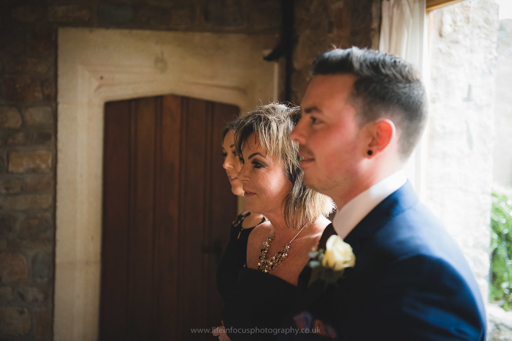 walton-castle-wedding-photography-clevedon-12.jpg