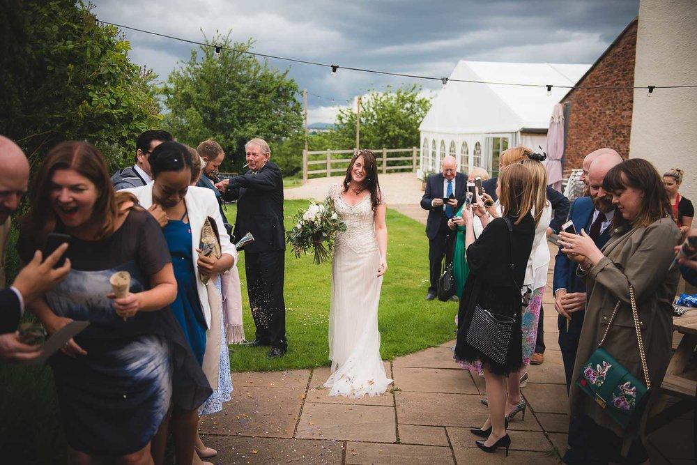 huntstile-organic-farm-wedding-photography-2.jpg