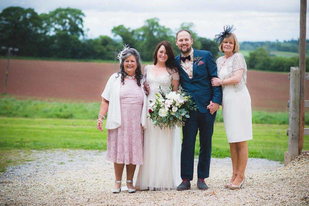 huntstile-organic-farm-wedding-photography-8.jpg