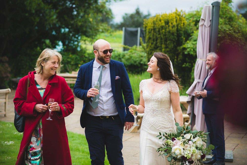 huntstile-organic-farm-wedding-photography-9.jpg