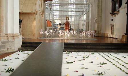 arnhem_mode_biennale_installatie_ontwerper_bloemen.JPG