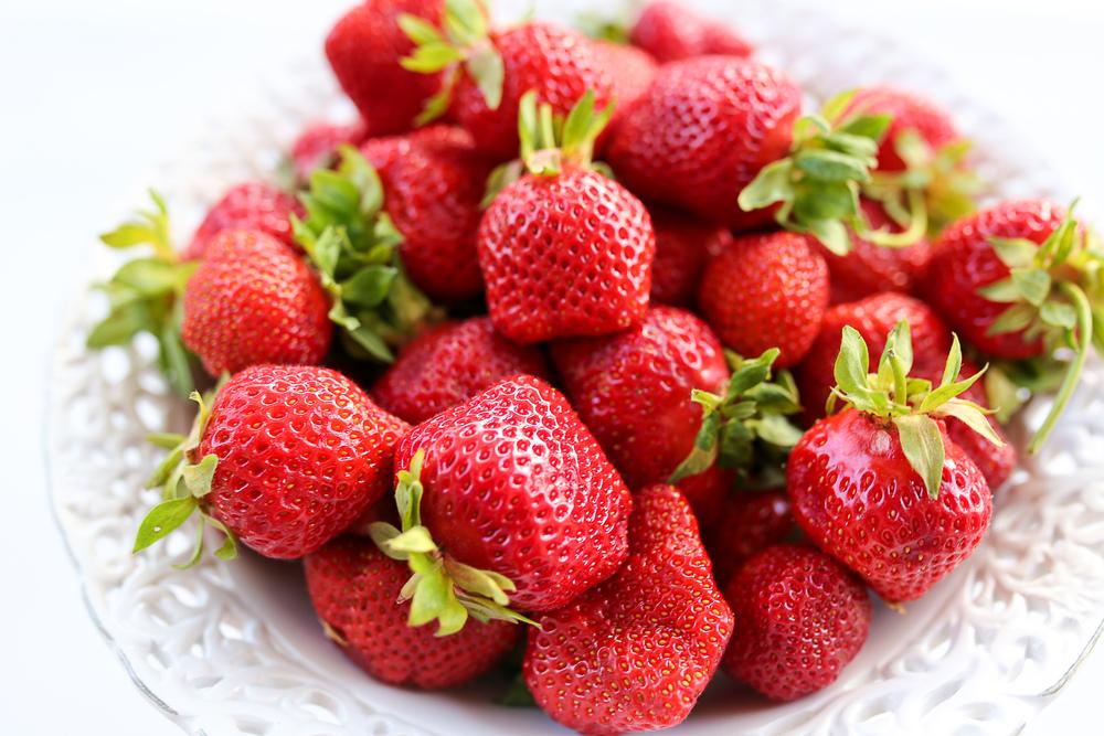 erdbeeren_selber_pfluecken_divers_strawberry