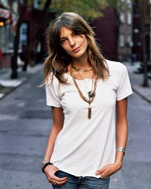 white-tee-shirt-fashion-7.jpg